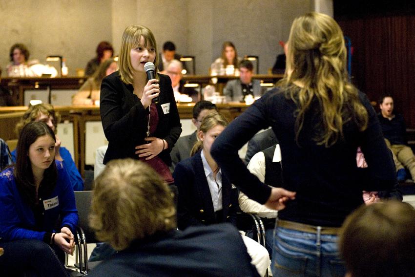 Debat tussen middelbare scholieren