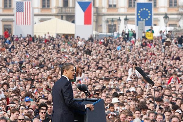 Obama spreekt over een wereld zonder kernwapens.